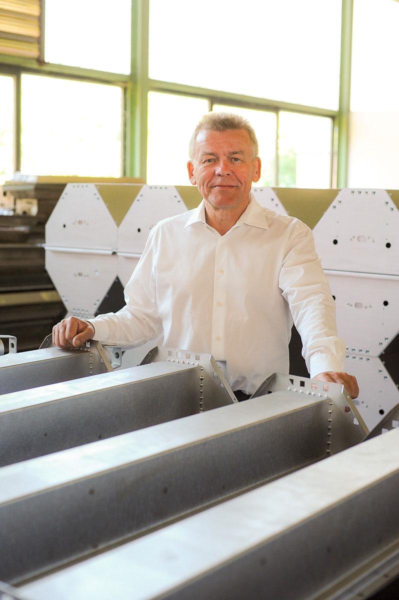 Geschäftsführer in seiner Fabrik
