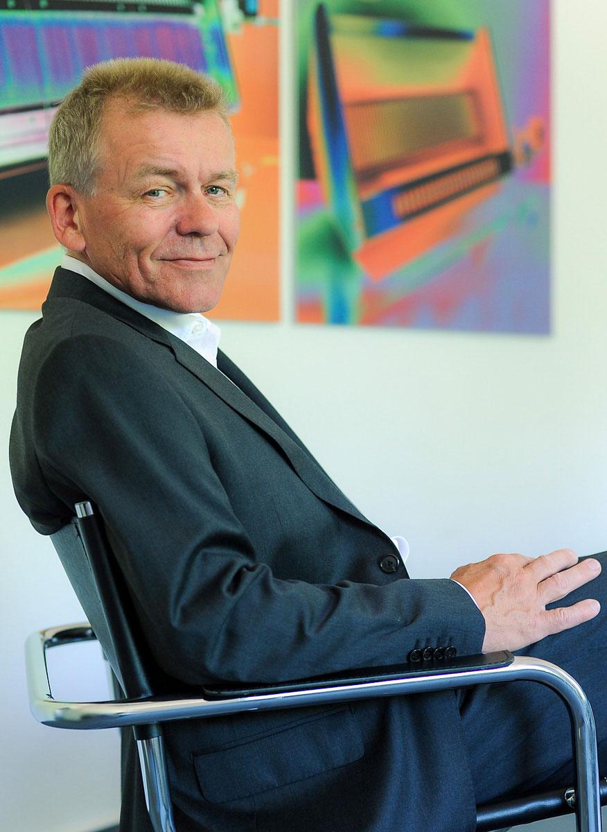 Businessportrait eines Mannes im Konferenzraum